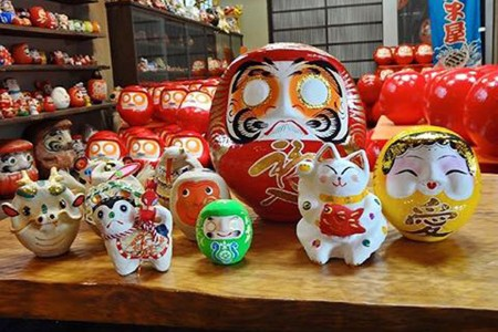 A Tour to Experience Tradition of Hiratsuka: Daruma Painting Experience, Museums and Tanabata