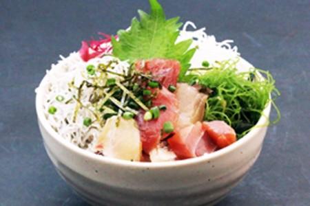 ลิ้มลองอาหารทะเลคุณภาพเยี่ยม! สัมผัสกับธรรมชาติของคาบสมุทรมะซะรุ