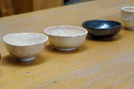 Try pottery town at the artistic town of Hayama. A trip to experience Japanese art
