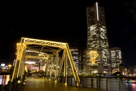 One day trip from Tokyo to enjoy the night in harbor town, Yokohama