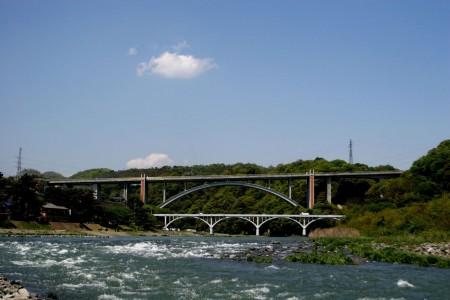 Radfahren entlang des Sagamigawa-Flusses, von Atsugi zum Tsukui See