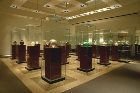 Hakone boasts fantastic art museums - delve into a world of glass and beads loved by aristocrats