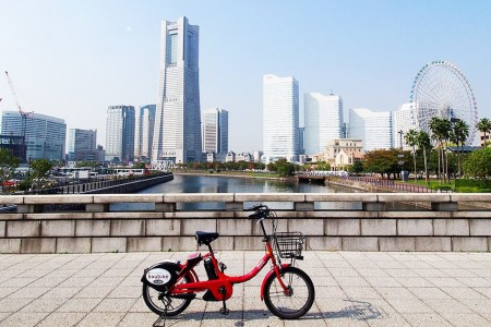 Yokohama Sightseeing with Rental Bikes and Hot Spring Experience