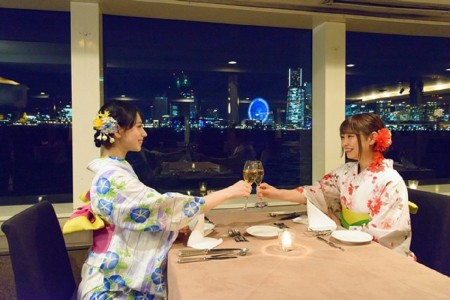 Feel the cool sea breeze of Yokohama while dressed in light yukata