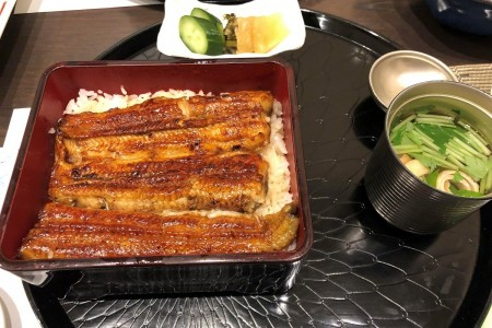 Enjoy an eel lunch with a secret sauce at a long-established restaurant, dating back to 1910.
