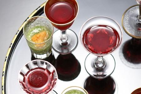 Offrez-vous un voyage en savourant des fruits frais et un déjeuner dans un restaurant étoilé au Michelin.