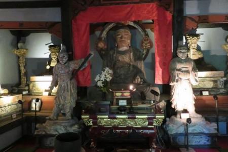 Minoge Erkundungskurs: Genießen Sie die Landschaft von Satoyama (Dorfwald) & exquisiten Miyabori (religiöse Holzschnitzereien)