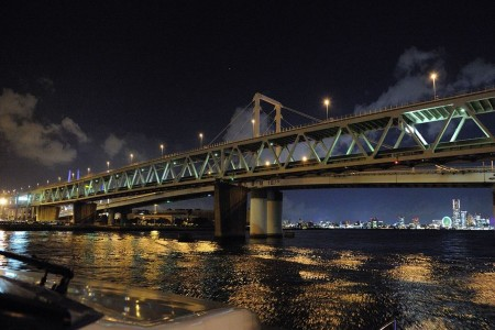 Very popular! A mature cruise where you can enjoy the night view of the dramatic Kawasaki factory zone.