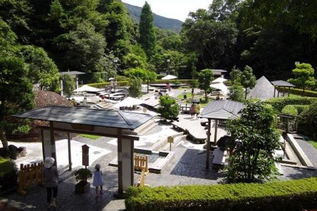 Experience Man'yo, refresh in a famed onsen protected by spirits of the water