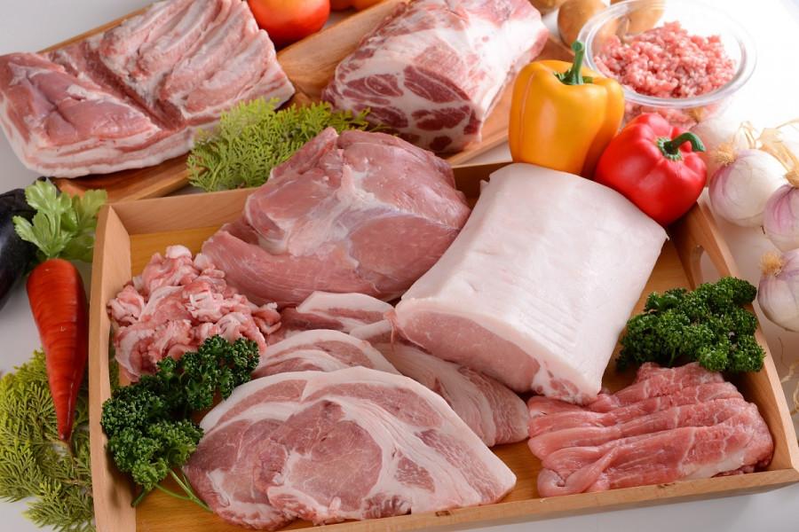 고급 아쓰기 돼지고기와 현지 농산물을 맛보세요