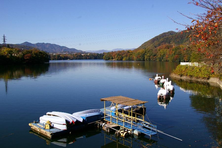 Ein Hauch von Vergangenheit in der Nähe des Shiroyama Damms und der Shiroyama Burgruine