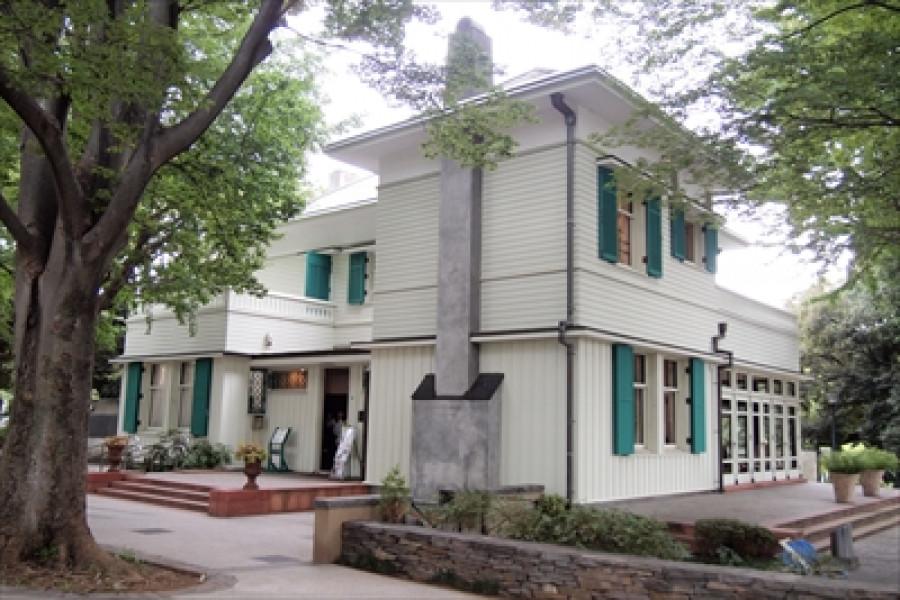 สถาปัตยกรรมและหอคอยทั้งสามแห่งในโยโกฮามะ