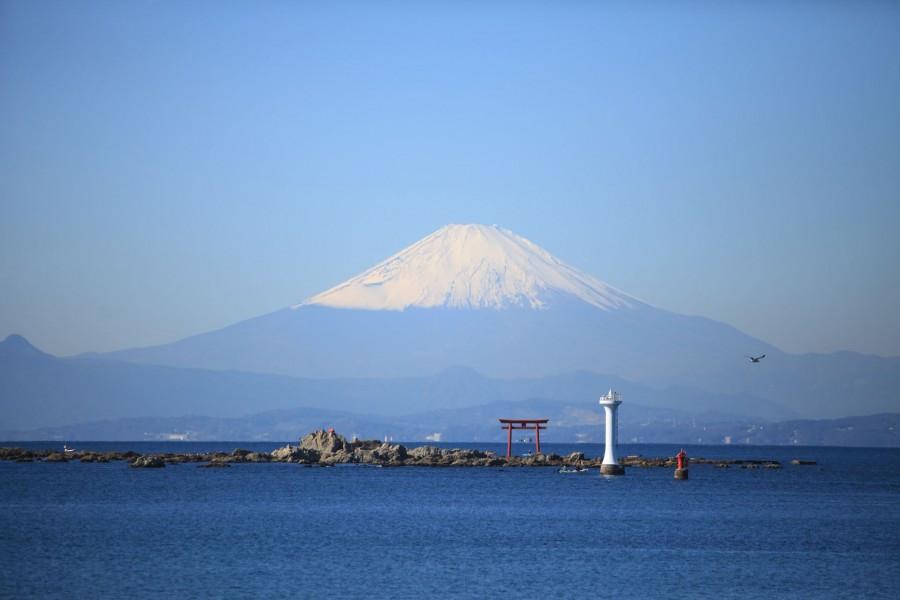Blick auf den Fuji und das Meer von Hayama aus