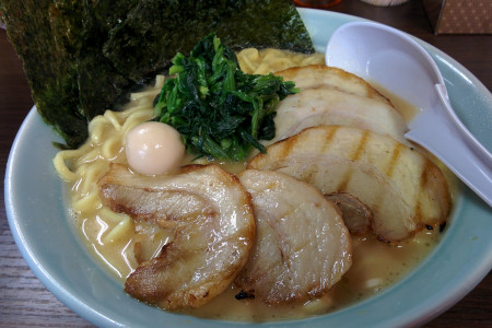 야마토: 가나가와 교외의 전통 일본의 흔적