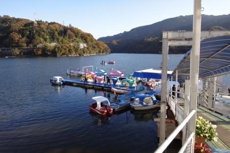 相模湖游览船或者划小船