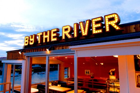 "Le restaurant ""Diego by the river"""