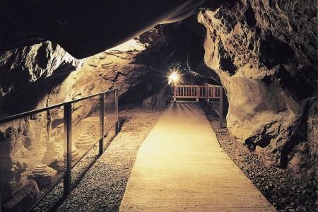 Enoshima Iwaya Cavern