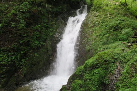 Les cascades Higeso  (ou Cascades du moine barbu)