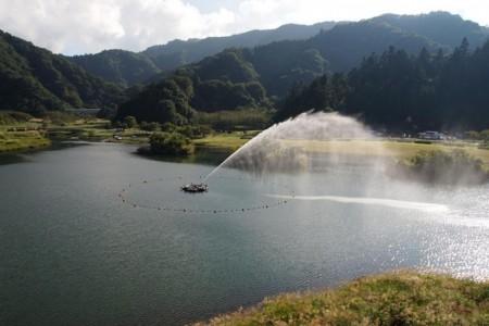宫之濑湖(倾斜铁道、游览船、散步)