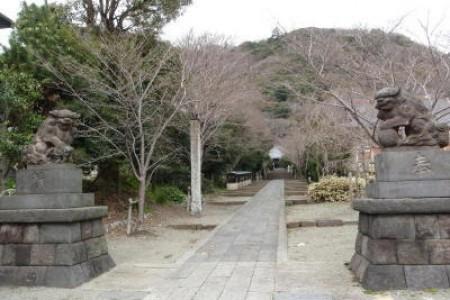 Takaku Tempel