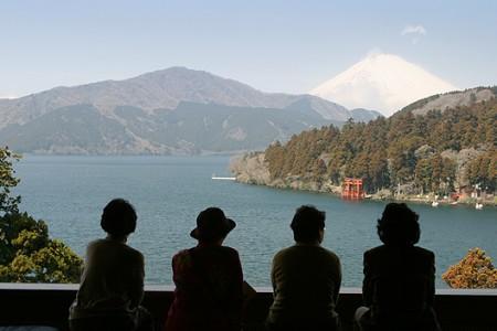 箱根蘆之湖成川美術館