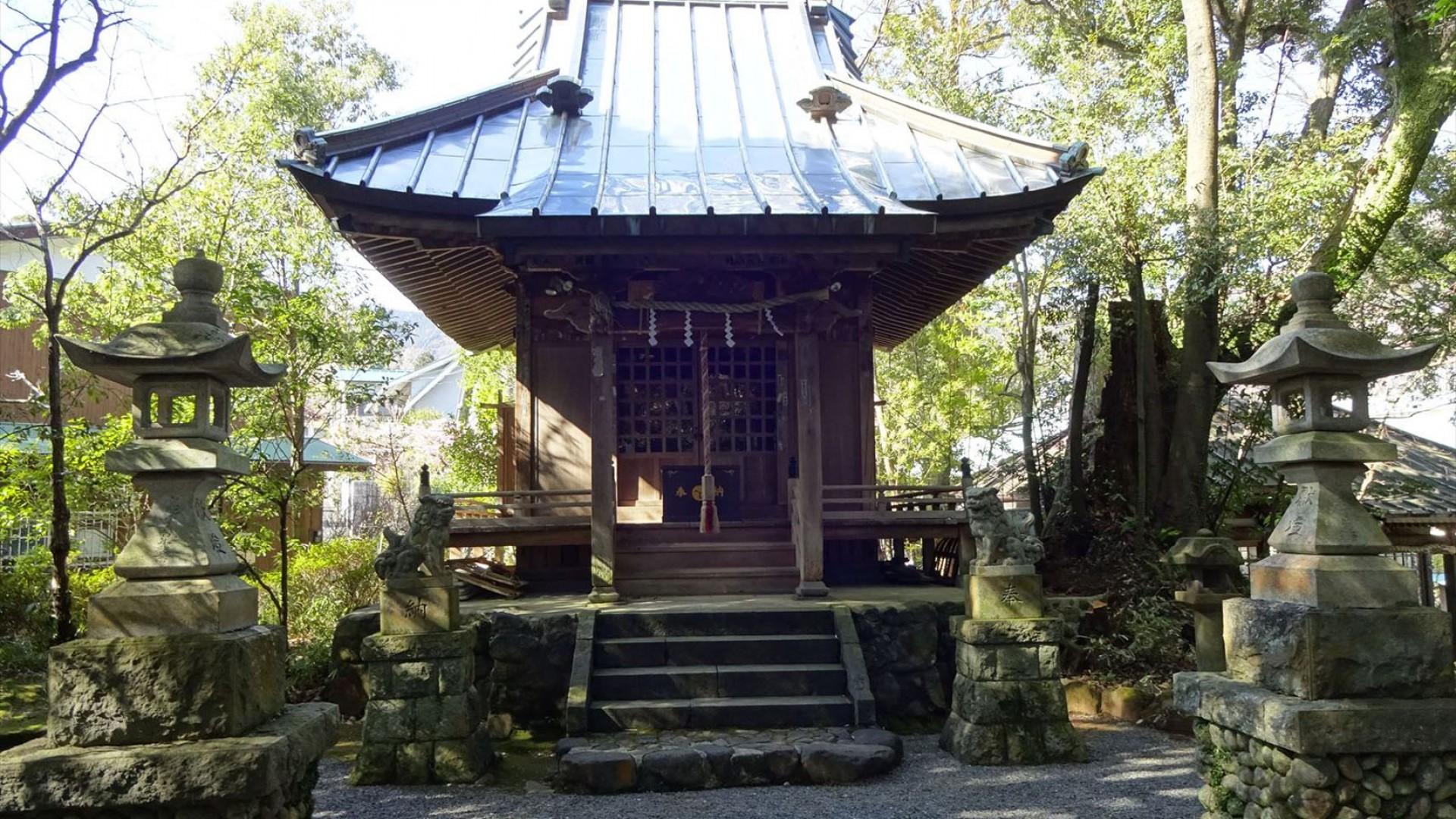 熊野神社、萬葉公園
