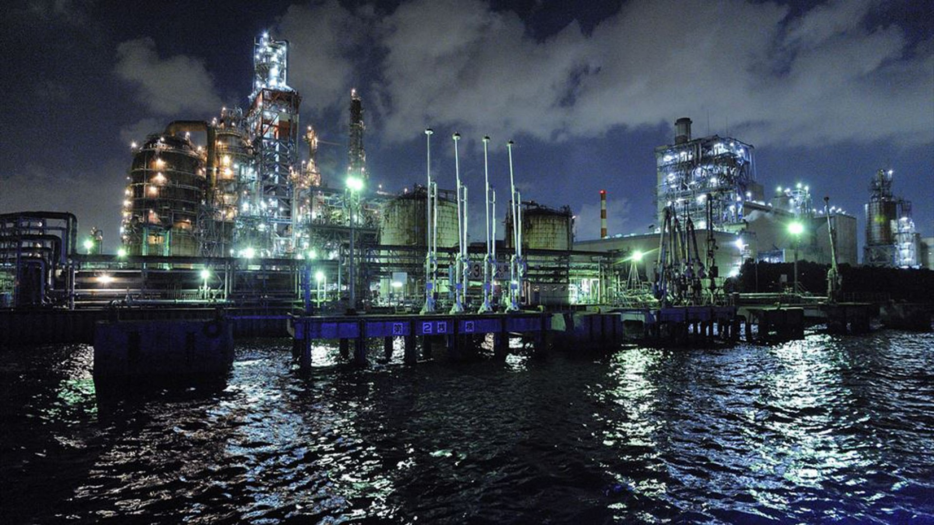 川崎工场夜景屋形观光船