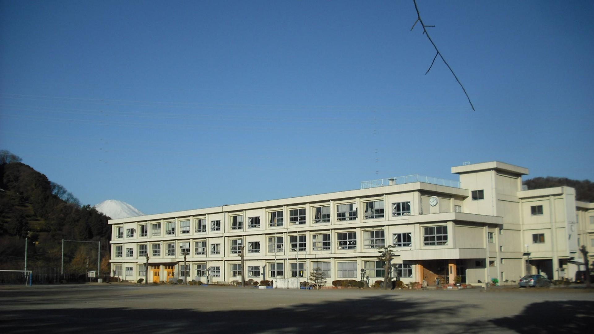 旧共和小学校(共和のもり・炭焼き体験)