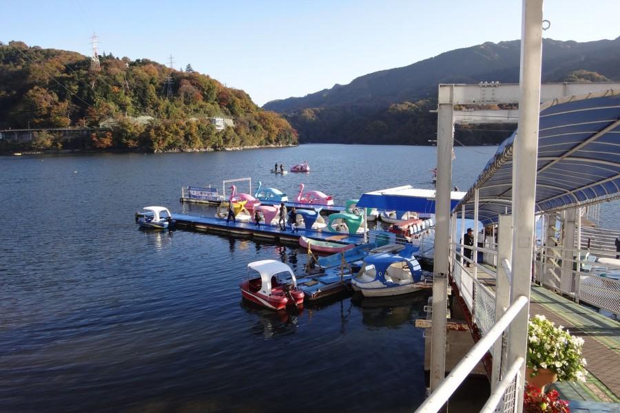 พายเรือในทะเลสาบสะกะมิโกะ   - 1