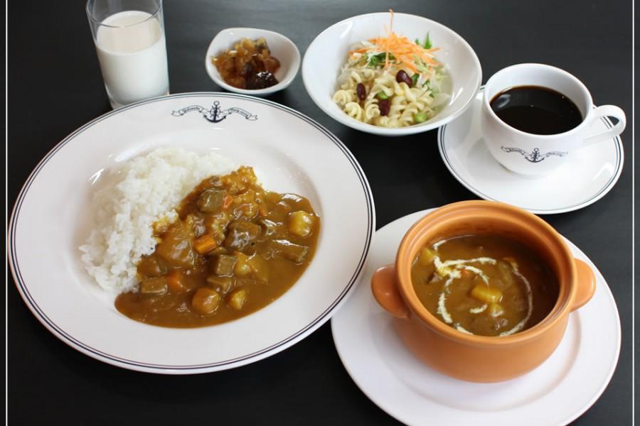 Nhà hàng Cà-ri Hải Quân Yokosuka
