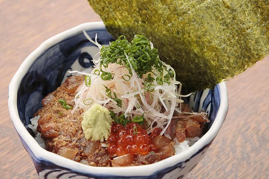 Le restaurant Enochima Koya ( un repas composé de poisson frais) - 2