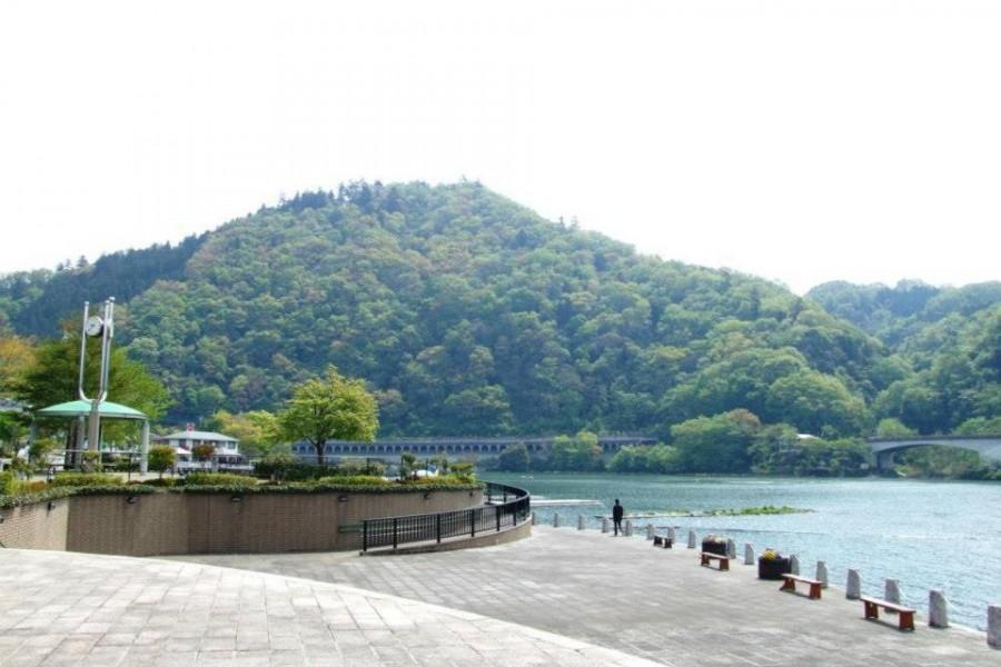 ทะเลสาบซากะมิ