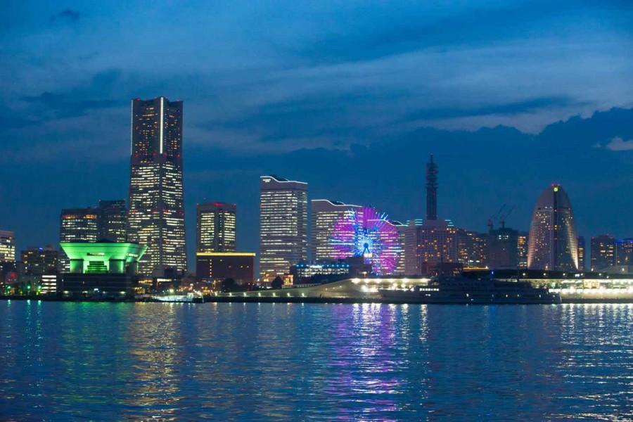 Keihin Fabrik Ansicht bei Nacht und Minato Mirai Kreuzfahrt - 2