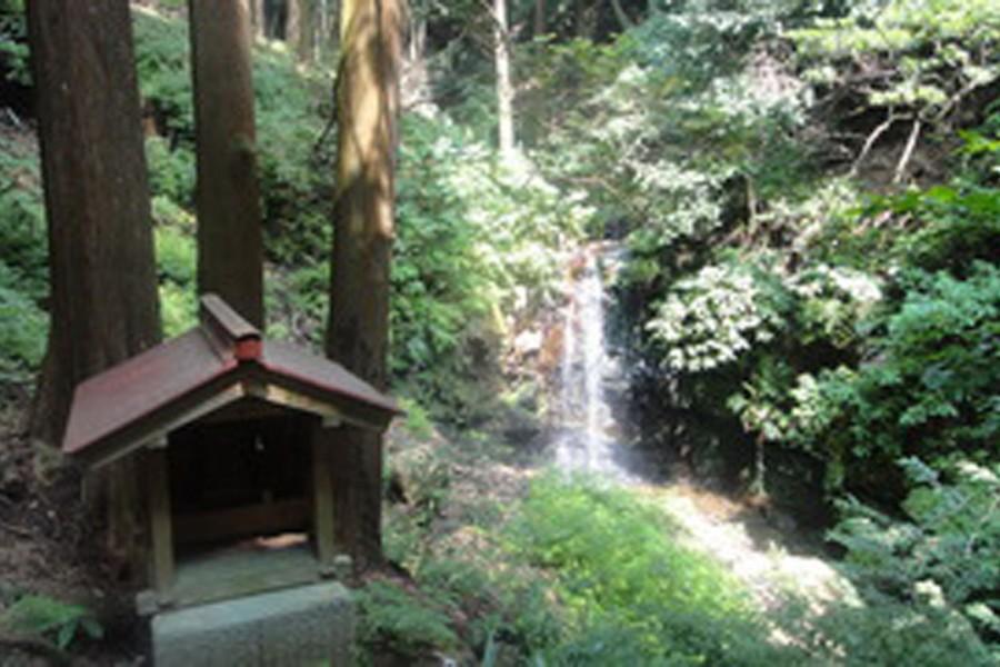 Chigiri no rokutaki (những thác nước của lời hứa)