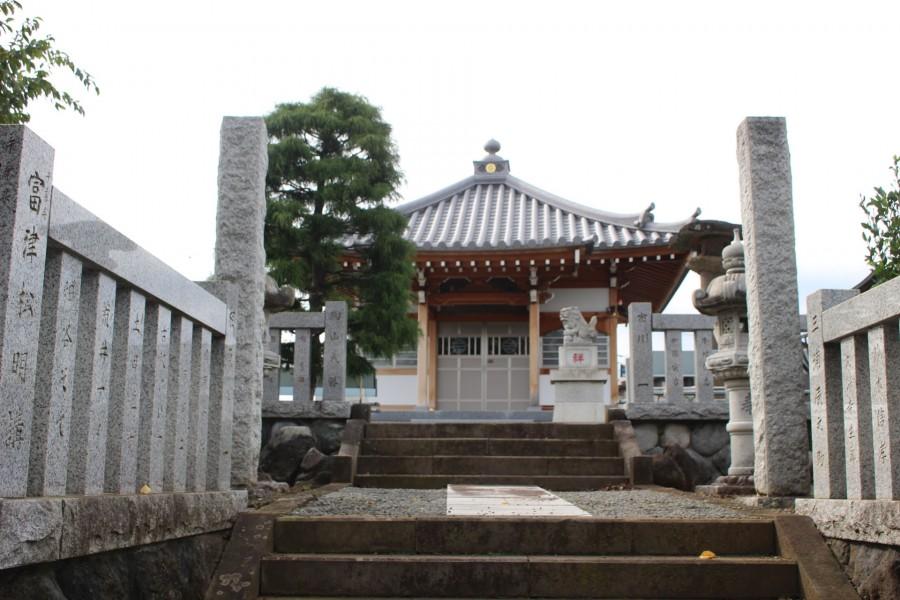 Di tích thành cổ Sanada, chùa Tentoku  - 2