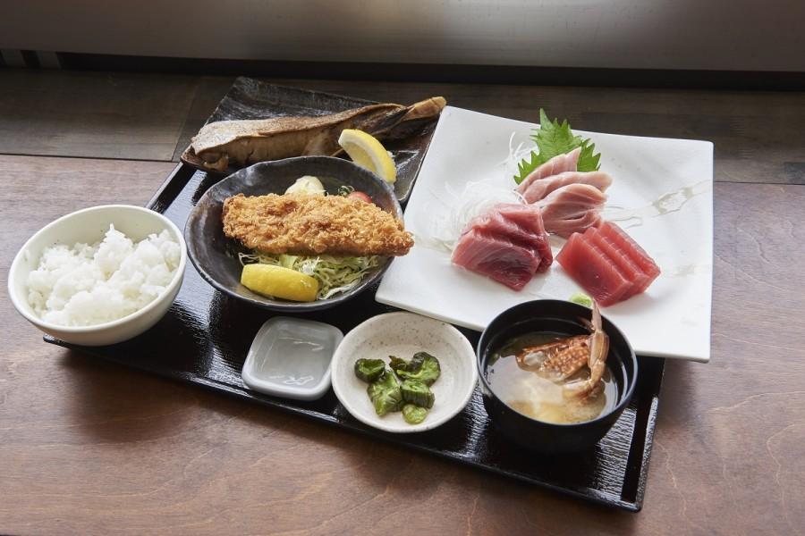 三崎魚市場食堂 - 1