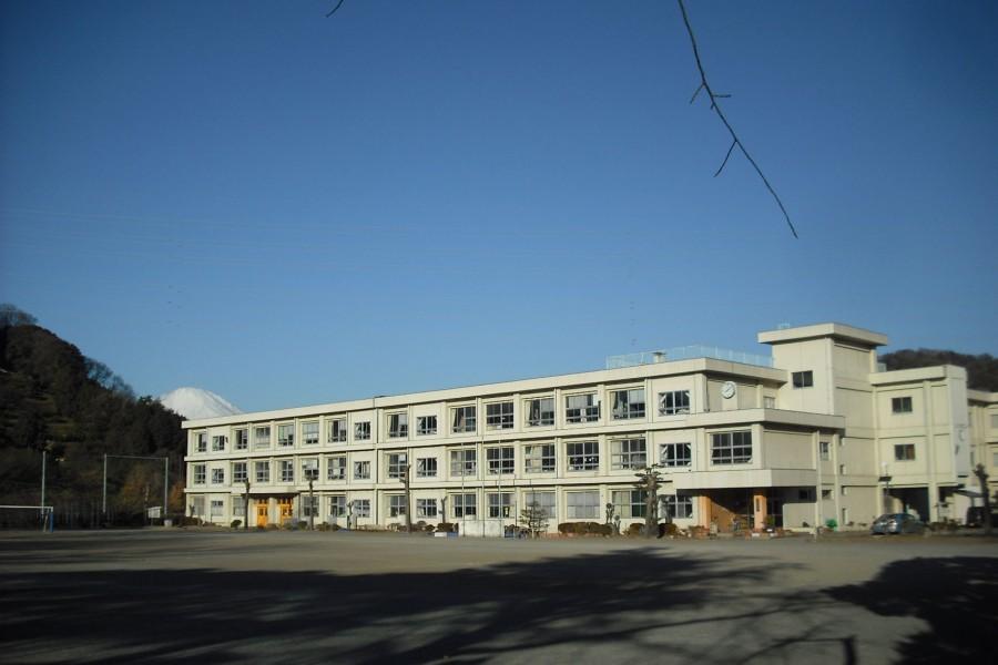 Ancienne école primaire KyowaKyowa no mori / Expérience de Char-grill