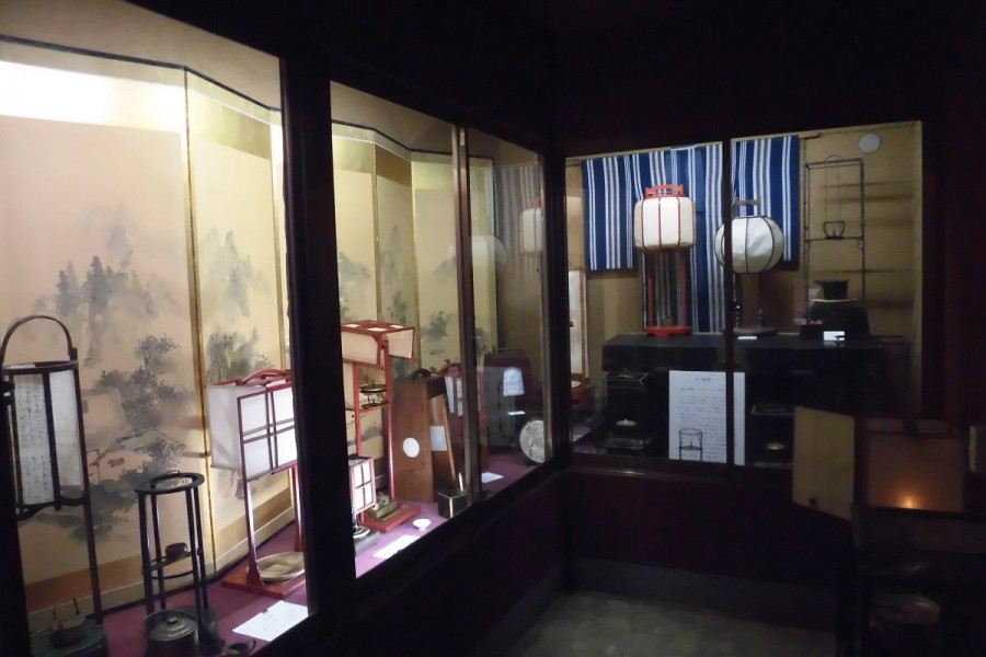 "Fun experiences at Japanese Folk Art Museum ""Edo Mingu Kaido"""